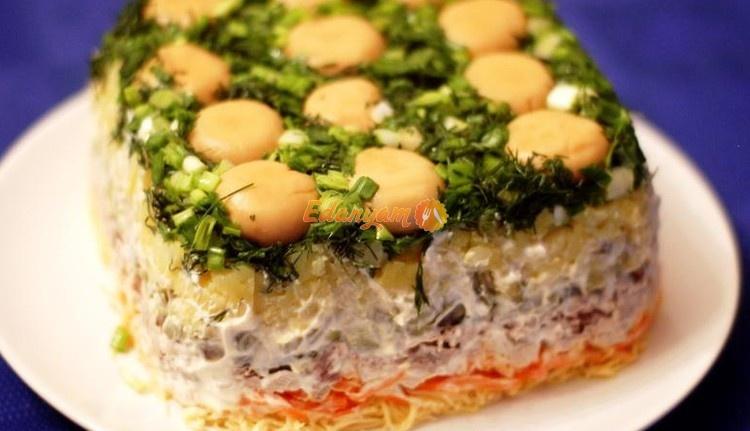 салат полянка с курицей и грибами рецепт