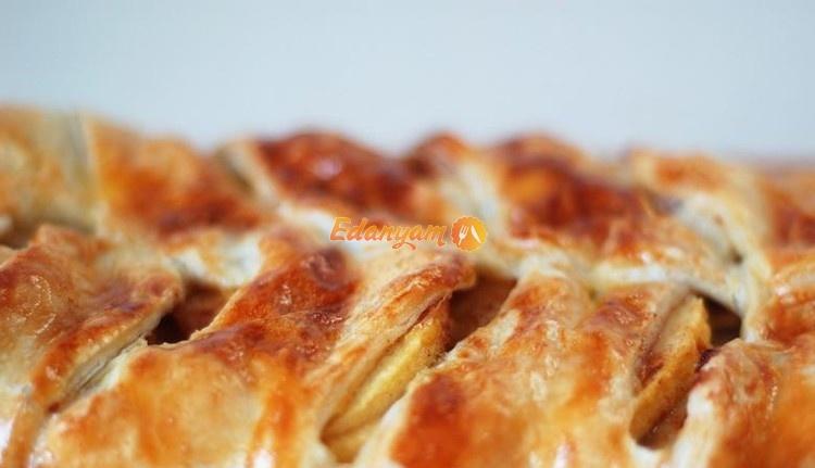 Пирог слоеная косичка с яблоками