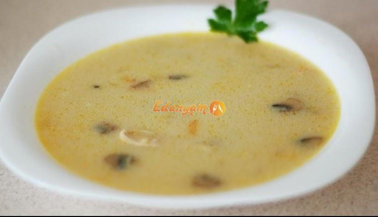 суп с курицей с сыром и грибами