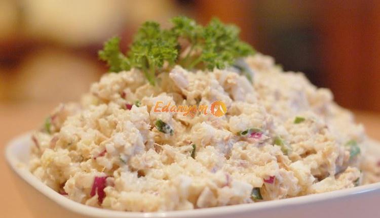 Легкий салат с лососем. Ингредиенты: лосось слабосоленый, помидоры ... | 431x750